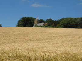 Approaching St Michael's Church, East Peckham